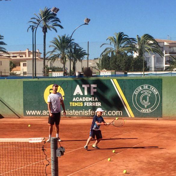 Praca u podstaw w tenisie